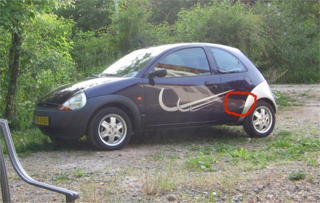 Deuk in auto